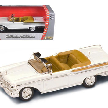 1957 Mercury Turnpike Cruiser White 1-43 Diecast Model Car by Road Signature