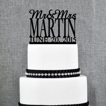 Mr and Mrs Cake Topper with Date, Personalized Last Name Wedding Cake Topper, Custom Cake Topper, Elegant Wedding Topper (S003)
