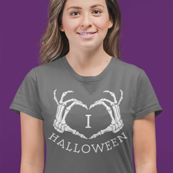 Women's Love Halloween T Shirt Skeleton Hands Shirt I Love Halloween T Shirts Heart Hands Halloween Shirt