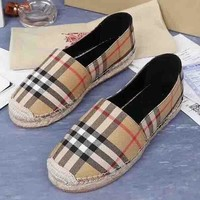 Burberry New fashion plaid single shoe Khaki
