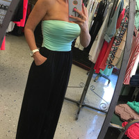 Perfection Pocket Maxi Dress: Mint/Black