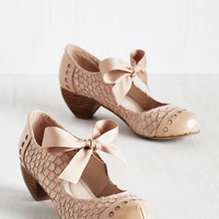 Vintage Inspired Bow'n Places Heel in Beige