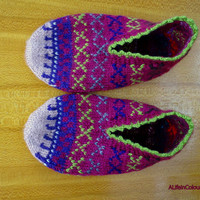 Women's Turkish Anatolian hand knitted unique fair isle warm slippers, slipper socks, house shoes.