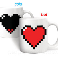 HEAT SENSITIVE PIXEL HEART MUG