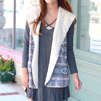 Fur Lined Tribal Print Hooded Vest {Navy Mix}