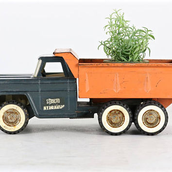 Vintage Structo Hydraulic Truck, Structo Toy Truck, Vintage Structo Truck, Vintage Toys, Vintage Toy Truck Vintage Truck, Succulent Holder