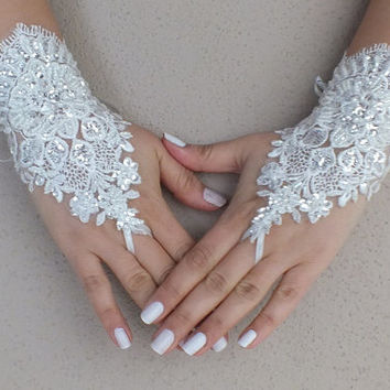 Wedding glove, ivory lace glove, special lace glove, French lace glove, UNIQUE GLOVE, Free Ship