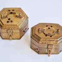 Vintage Brass Boxes Cricket Boxes Brass trinket Stash Boxes Hinged Brass Boxes Set of 2
