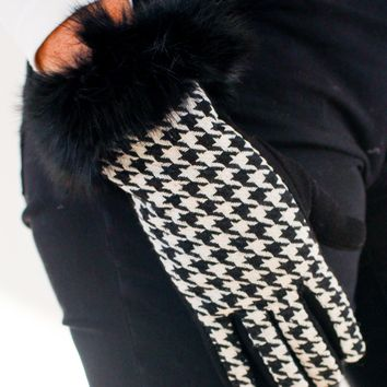 Houndstooth & Fur Wrist Glove