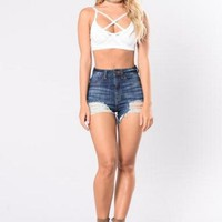 Hole Pure Color High Waist Slim Shorts