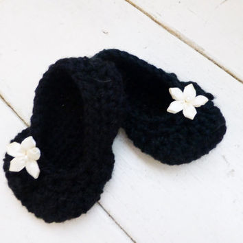 Crochet baby booties, black booties, white flower, ballet slippers, baby shower, baby gift, ready to ship, handmade, girl's booties, cute