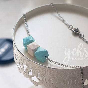 Turquoise Bridesmaid Gift(set of 5), Essential Oil Diffuser Necklace, Necklace Geometric, Diffuser Jewelry, Aqua and Cream, Gift for Her