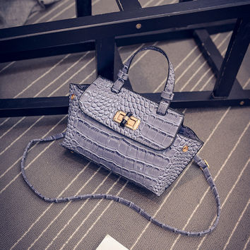 Women Classical Chic Bag On Sale = 4457685572