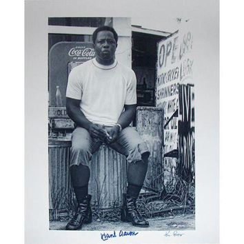 ICIKU7Q Hank Aaron Sitting on Garbage Can 16x20 Photo Signed By Photographer Ken Regan