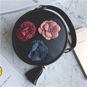 women messenger bags samll tote vintage Stereo Flowers decorated leather handbags 2017 girl/teenagers luxury brand Shoulder bags