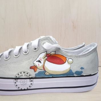 Lucky Cat, Low Top Converse,Hand painted shoes,Birthday gifts,Hand-painted shoes,,Hand