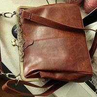 niceeshop(TM) Retro Vintage Kiss Lock Imitation Leather Purse Handbag Totes Bag