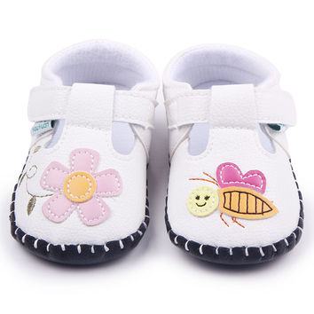 HOT 8 Designs Hand-Stitched Baby Shoes TPR Sole Beautiful Pattern Baby Sandals Shoes For Boys Girls 0-12 Months