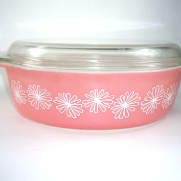 Pyrex Pink Daisies Casserole 2 1/2 Quart with Lid Large