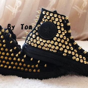 The gold stud personality fashion shoes studed shoes