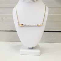 Cream bar necklace