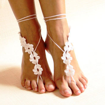 White crochet barefoot sandals/Nude shoes/Foot jewelry/Bridesmaid accessory/Beach accessory/Beach wedding/Belly dance/Anklet