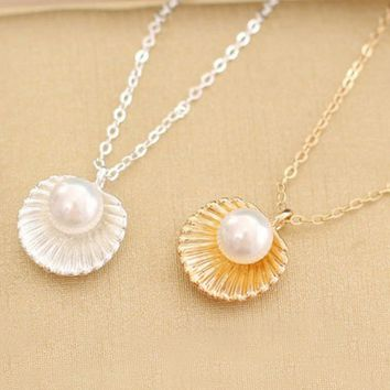 Necklace - Siren Adornment Seashell Pearl Necklace