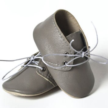 Baby gray leather oxfords, Baby boy shoes, Soft sole baby shoes, Baby leather booties, Baby moccasins, Newborn gift, Baby shower gift