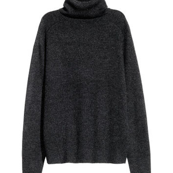 H&M Ribbed Turtleneck Sweater $29.99
