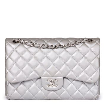 CHANEL SILVER METALLIC QUILTED LAMBSKIN JUMBO CLASSIC DOUBLE FLAP BAG HB1568