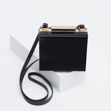 SYNTHETIC PATENT LEATHER BOX CLUTCH