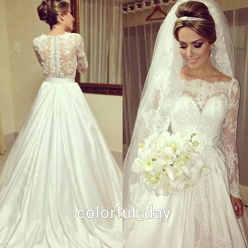 Vintage Scoop Neckline Princess See Through Lace Wedding Dresses Long Sleeve Bridal Gowns Covered Back 2015