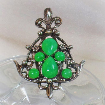Silver Brooch. Vintage Brooch. Fleur de Lis Brooch. Green Chrysoprase Brooch. Antique Silver Brooch. Jewelry for Women. waalaa