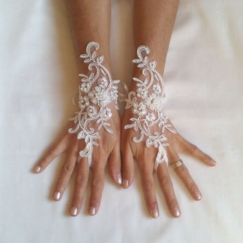 Wedding gloves adorned pearls Ivory bride glove bridal gloves