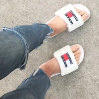 Tommy Hilfiger Slippers Fila Slippers Fluffy Fur Slippers B-XXM-MZC Black&White