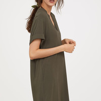 V-neck dress - Dark khaki green - Ladies | H&M GB