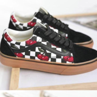 Vance's new fashion men and women cherry black and white plaid shoes low help canvas shoes