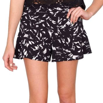 Fallen Petals Shorts - Black/White