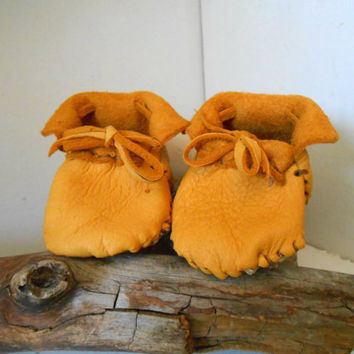 Newborn, Infant Baby Moccasins, Booties, Leather Shoes, Native American, Hippie, Bohemian, Gypsy, Natural, Mountain Man, Rendezvous, Powwow