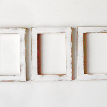 distressed white frames 3 matching 5x7 handpainted distressed picture frames - Distressed White Picture Frames