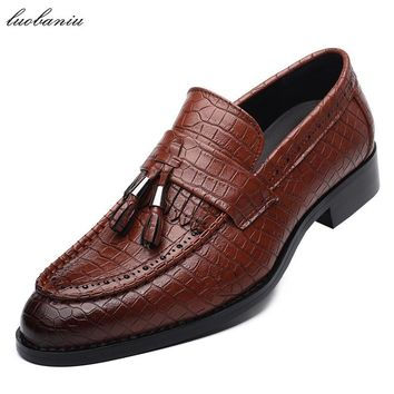 Tassel Alligator Leather Shoes Men Pointed Toe Moccasins Men Shoes Casual Slip On Brown Black Wine