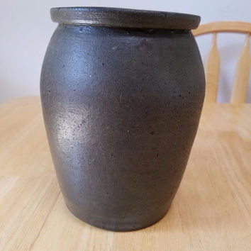 PRIMITIVE COUNTRY POTTERY ANTIQUE STONEWARE OLD STORAGE CROCK