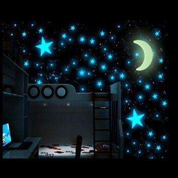 100pcs Lot Star Moon Glowing In The Dark Sticker Lighting in Night Art Stickers