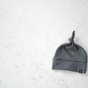 Knotted Hat in Dark Gray