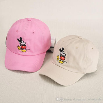 2017 New Korean cartoon animal baseball cap solid color Mickey embroidery sun hat for men women SNAPBACK fashion lovers cap