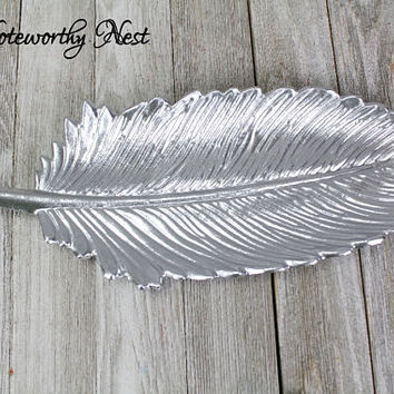 CUSTOM COLOR Change dish / cast iron trinket dish / cottage decor / bathroom decor / feather decor / ring dish / trinket / Farmhouse Decor