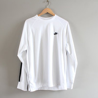 Nike T-shirt Nike Sweatshirt White Oversized Pullover Long Sleeves Activewear Loose-fit Vintage Retro 90s Size XL