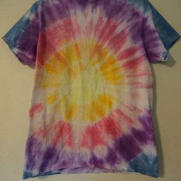 Sunset Bulls-eye Tie Dye Shirt- yellow, orange, red, purple, blue- size Adult Medium