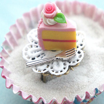 strawberry cake slice ring