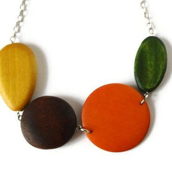 CIJ Sale 15% OFF Chunky Wood Necklace in Fall Colors. Statement Necklace, Beaded Necklace. Perfect Fall Fashion